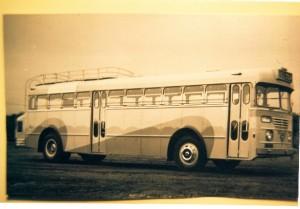 טייגר מלפנים, אטלנטיאן מאחור. ליון מס' 1, 39-135, זמן קצר לאחר השלמת האוטובוס (ארכיון אגד